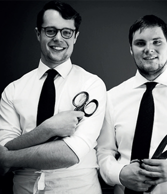 Handskmakarna Niklas Magnusson och Anton Magnusson